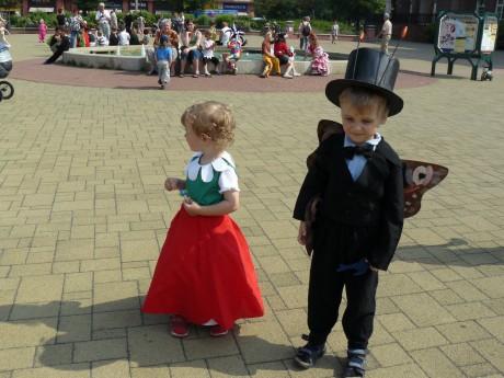 motýl Emanuel a Maková panenka na náměstí
